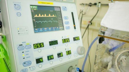 mechanical ventilator_G_497601235
