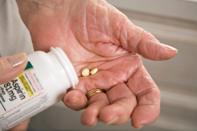 This fact sheet evaluates the data that suggest that aspirin can reduce the risk of liver and ovaria