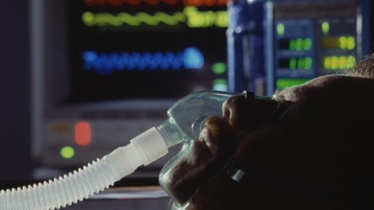 patient in ICU with mechanical ventilation